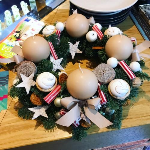 Рождественский Веночек с конфетами и печеньем Пипар Кукас
