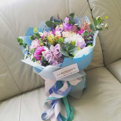 "Bouquet with hydrangea, dahlias, freesia and ""Bridal Piano"" peony roses"