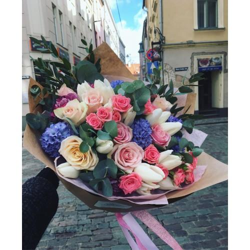 Bouquet with ecuadorian roses