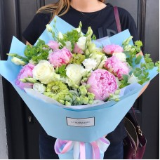 Bouquet with pink Sarah Bernhardt peonies, white roses and carnations