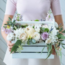 Wine box with flowers